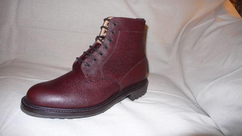 Pebble grain boot lug sole