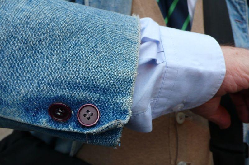 Denim 19 distressed sleeve