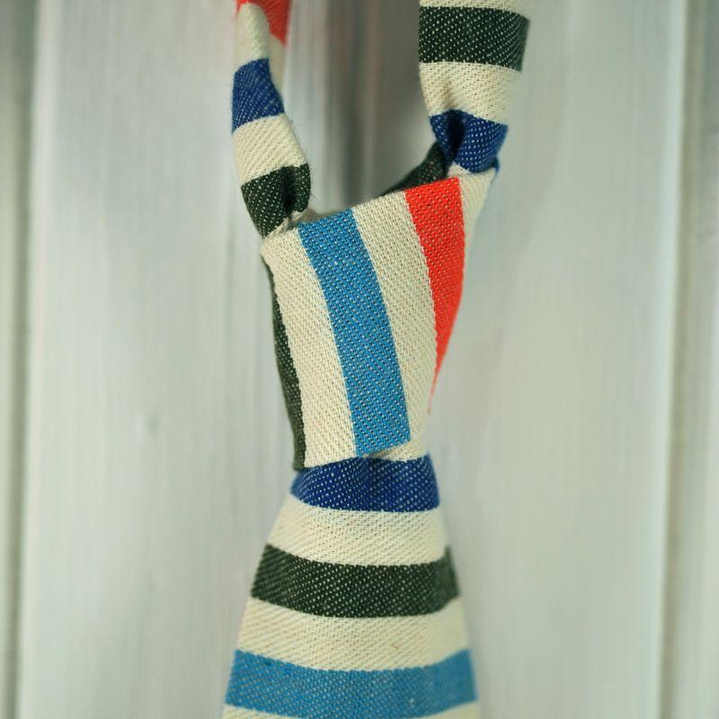 Knot striped